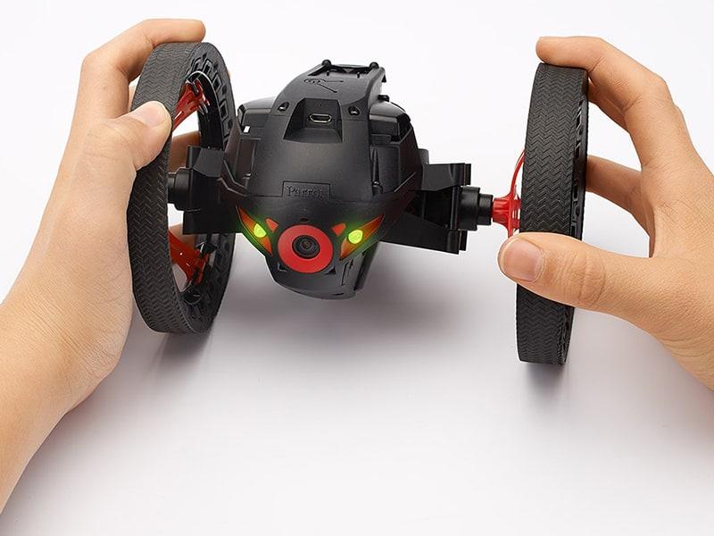 http://img110.xooimage.com/files/5/d/4/parrot-minidrone-...black_7_-4c3693d.jpg