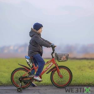 Vélo avec petites roulettes amovibles