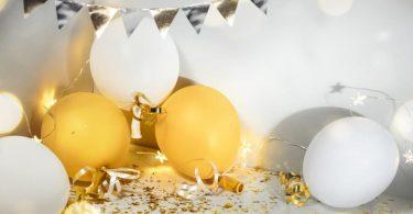 ballons et cotillons jaune et blanc
