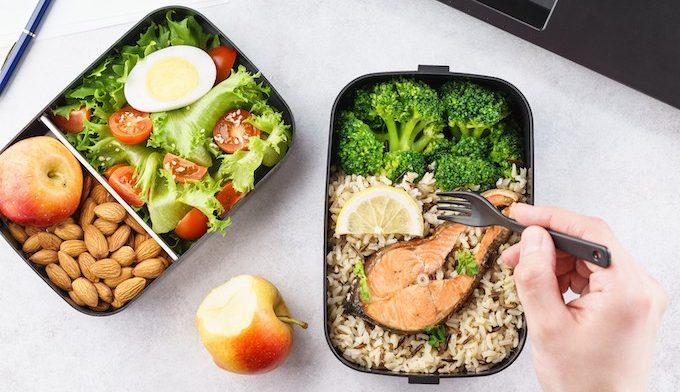 repas du midi dans une lunch box